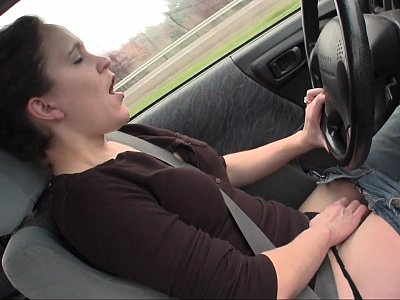 Lou Lebonne cums in the car