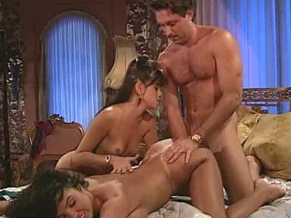 Порно ретро секс в троем 36950 фотография