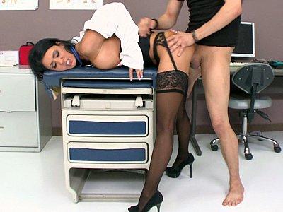 长腿医生从后面很难