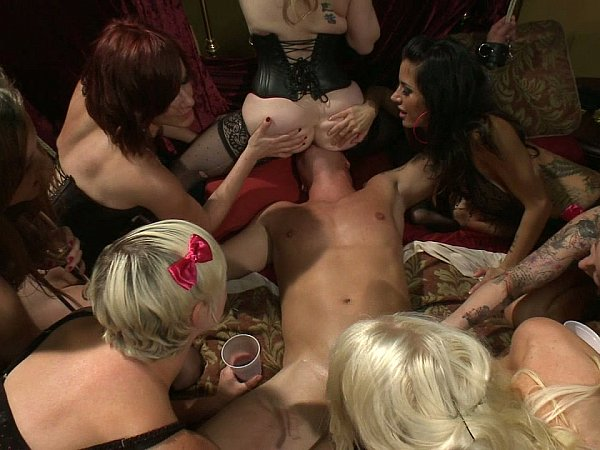 Порно рабство в борделях