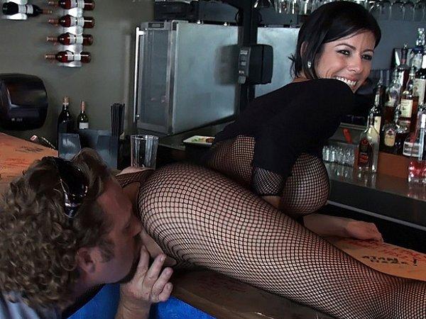 секс с мамками в кафе