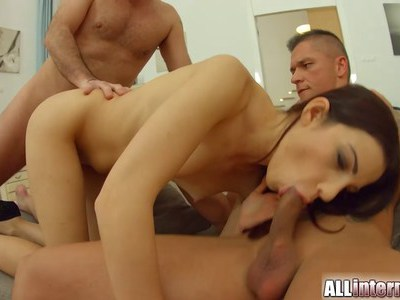 Jessica's prepping both her holes