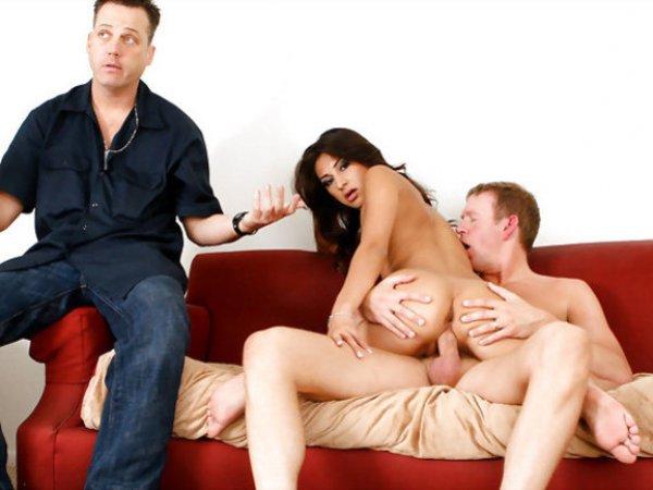 Русское порно жена застукала мужа с любовницей смотреть онлайн