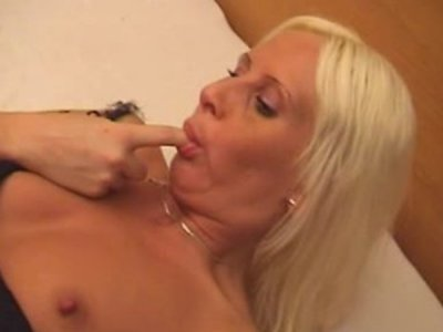 Blondie Jitka rough screw