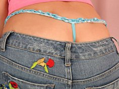 Geeky Veronica Wears Her Panties High