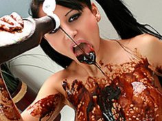 Super Hottie Alison Star Lathers Up in Chocolate!