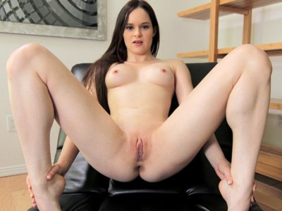 Jenna's new yoga student stretches out her pussy with his big dick