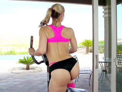 Sexy curved bitch Sarah Vandella working out in the gym
