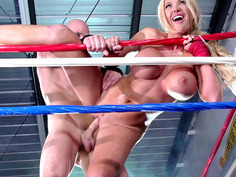 Blonde bombshell Summer Brielle gets fucked against the ropes