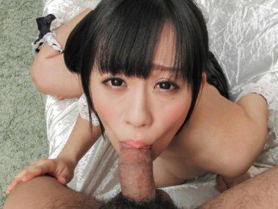 泡泡,但宝贝Yui Kyouno享受活泼的小狗