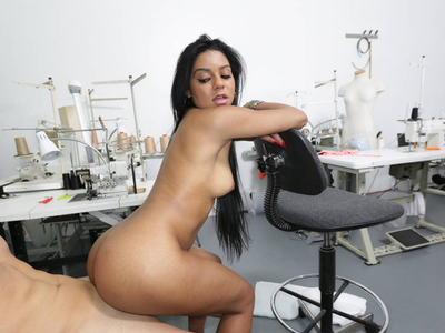 Ebony with one tight pussy that suck dick inside