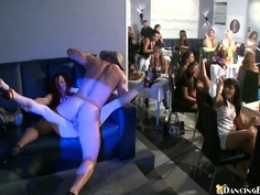 A show for the ladies!