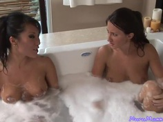 Asa and Lizz got together to suck a cock in the hot Jacuzzi