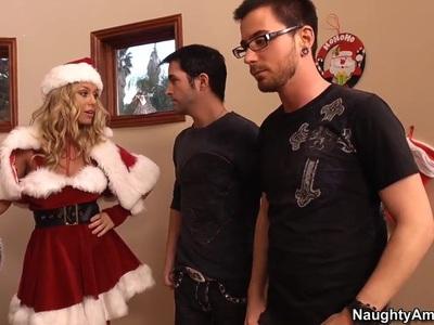 性感的金发女郎妮可安妮斯顿都是红色的圣诞老人