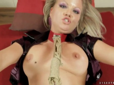 Kinky Sunny Diamond enjoys in bdsm sex in pov