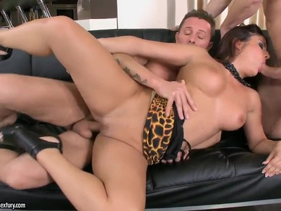 Wild and hot Bellina makes a double blowjob to her friends