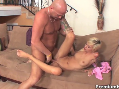 Teen babe Emma Mae fucks with baldheaded man