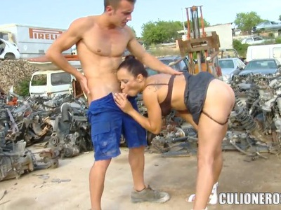 Hot Latinas prostitute Sara May sucks a dick outside