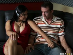 Jordan Ash has a guest Sophia Lomeli in his studio