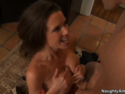 Johnny Sins gets seduced by busty Veronica Avluv