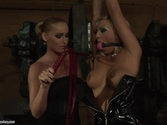 Adriana Russo and Kathia Nobili have bondage