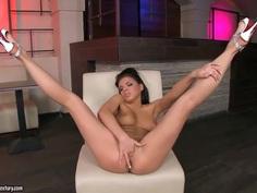Breathtaking Henessy completely naked masturbating her naughty pussy