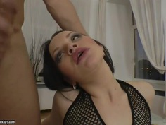 Brunette whore gets huge bolt into anal hole