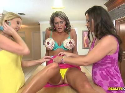 Mature Kristen Cameron, Mandi and Brianna threesome