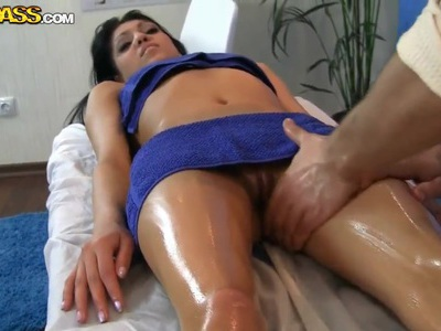 Naughty girl wants massage with sex