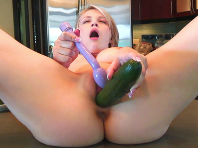 Bree Daniels - Big Tricks In The Kitchen