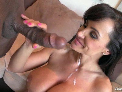 LiveGonzo Lisa Ann Juicy Interracial肛交