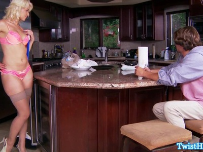 Stockings babe cockriding in kitchen