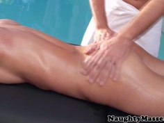 Busty massage honey outdoor riding masseur
