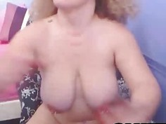 Natural Tits Babe with Dildo