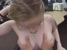 Amazing blondie getting her pussy pounded