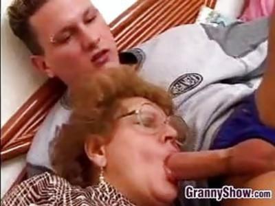 奶奶在法律上性交的奶奶