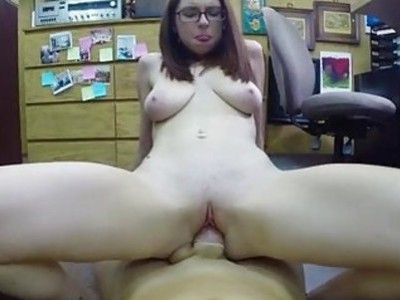 Amateur girl in glasses pawns her pussy