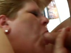 Mature BBW Gaby has fun