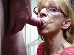 OmaFotze Old Grannies sucking dick hard