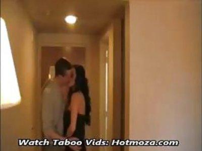 妈妈儿子在酒店Full Vid性 -  Hotmoza.com