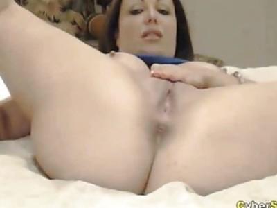CyberSlut Busty MILF Webcam