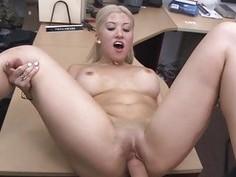 Horny hottie blond babe