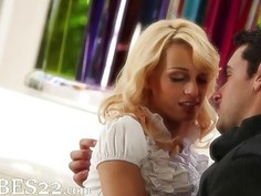 stunnigly sweet blonde and her boyfriend
