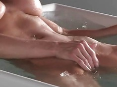 Luxury threesome copulating with MILF in the bathroom