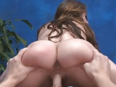 Massage babe looks nice being impaled on hard dong