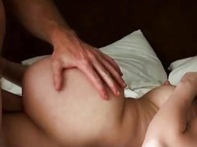 性感的女朋友第一次肛门行动,并抓住凸轮