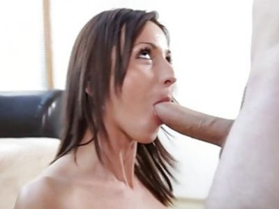 Gal is having fine time savouring dudes hard shaft
