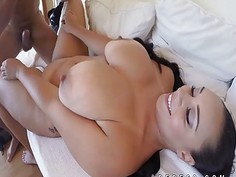 Giant ass babe Anastasia Lux needs dick