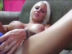Platinum blondie Lylith has fun sucking big hard bone