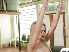 Blondie trainer teaches two sexy babes some yoga exercise